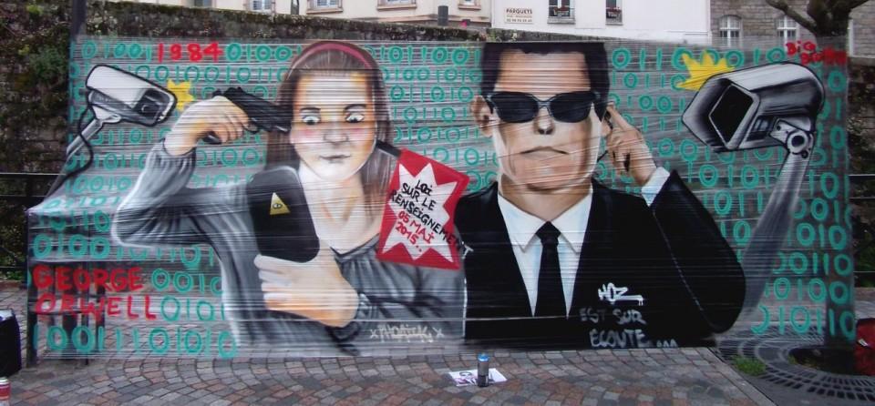 Graffiti Loi sur le Renseignement Quimper 2015