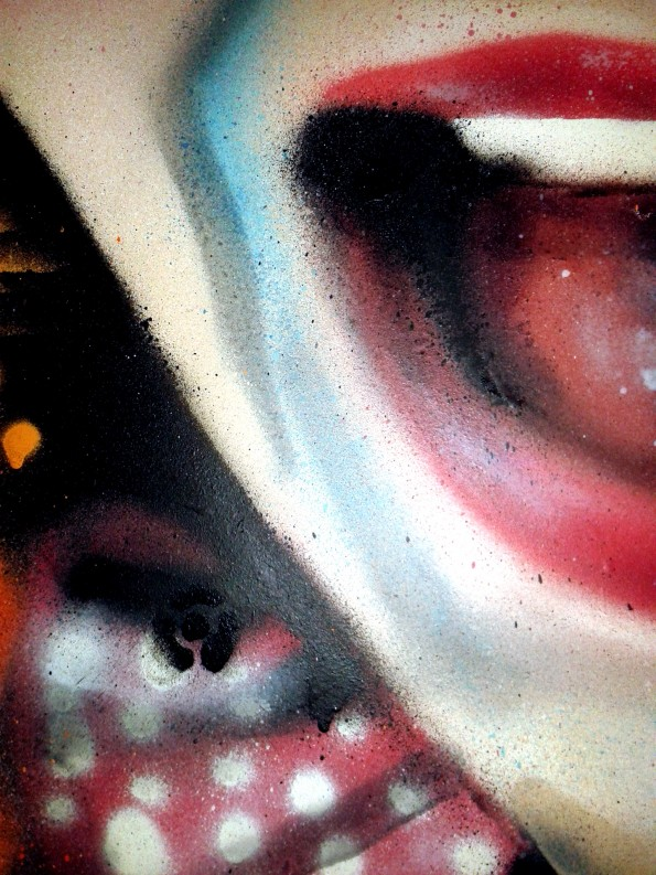 Portrait graffiti aérosol femme toile