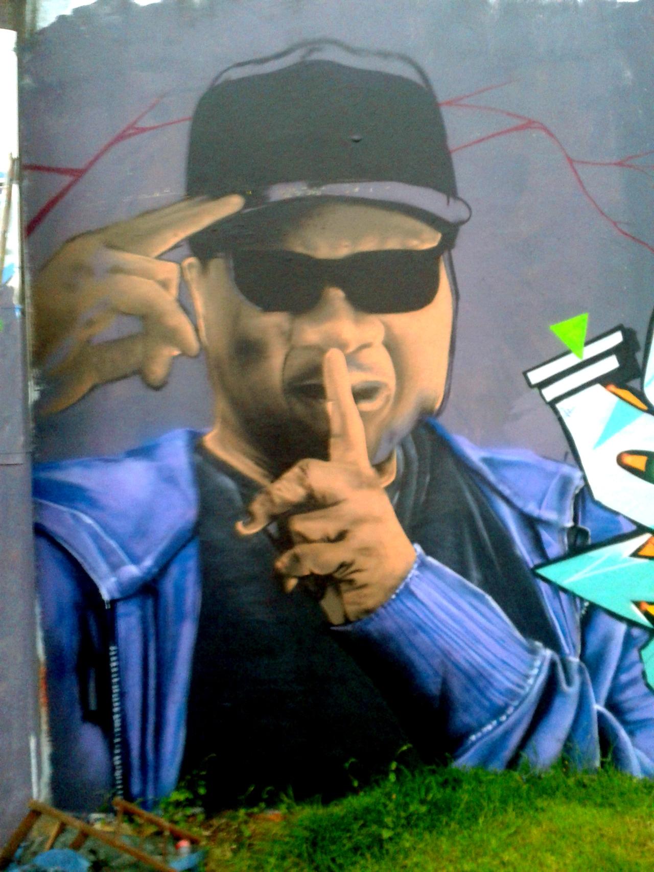 Graffiti hommage Papa Wemba à Quimper