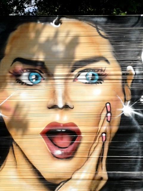 Cellophane graffiti à la Providence Quimper