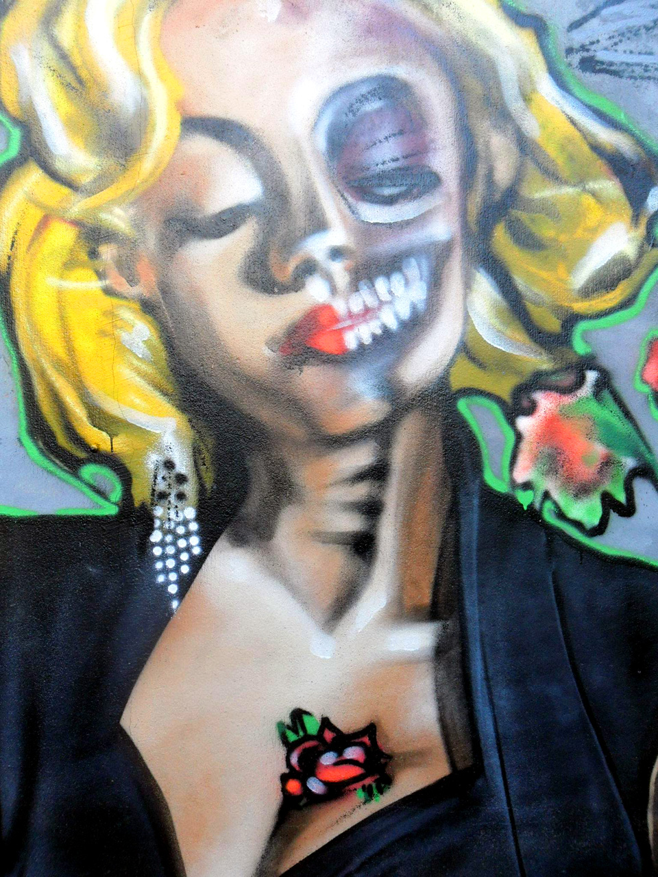 Passage à L'heure D'hiver - Graffiti à Quimper