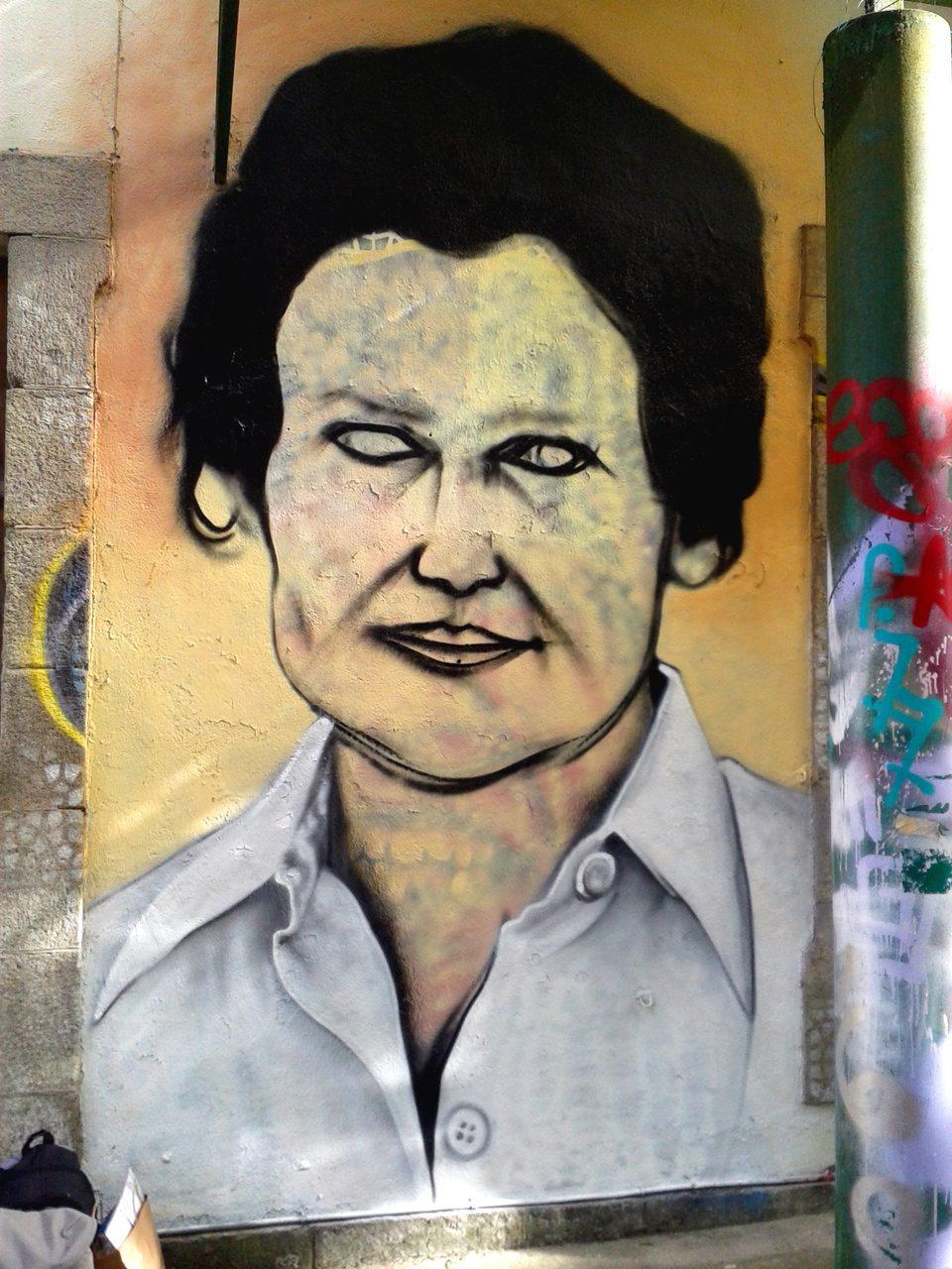 Portrait graffiti de Simone Veil par HOZ