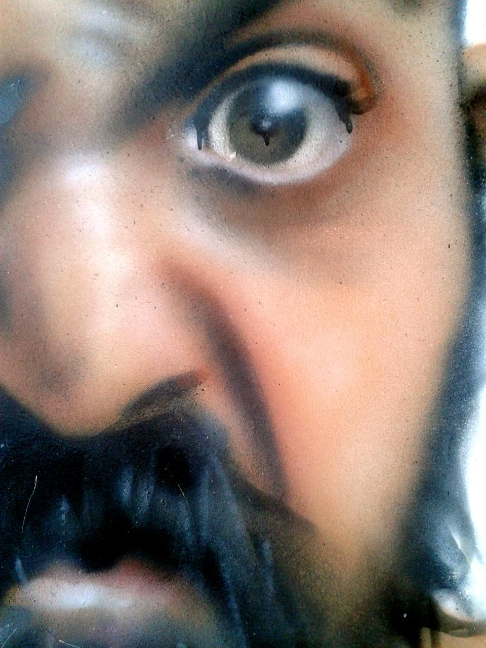 Portrait aérosol sur toile (9) : Barbu