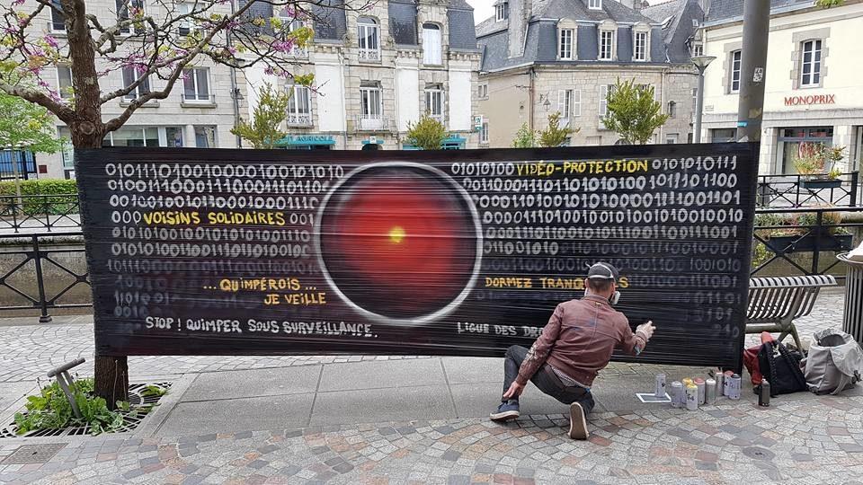 """Fresque cellophane """"Stop! Quimper sous surveillance"""" par HOZ - 8 mai 2018"""