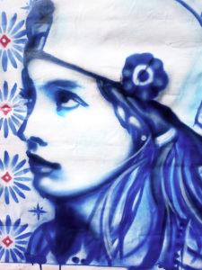 Portrait aérosol sur toile (15) : Cosmopolitaine