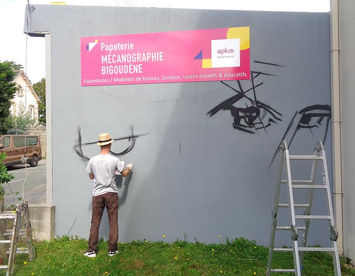 Décoration graffiti Pont-l'Abbé 1
